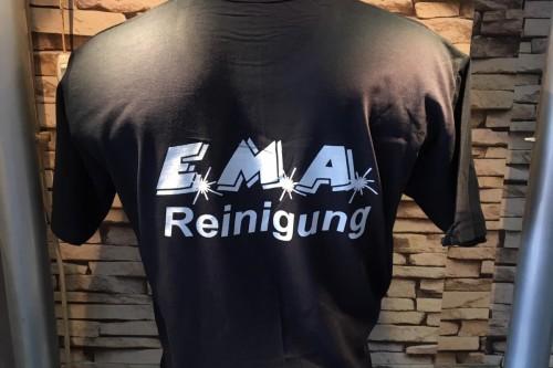 Die neuen T-Shirts für unser Personal sind fertig