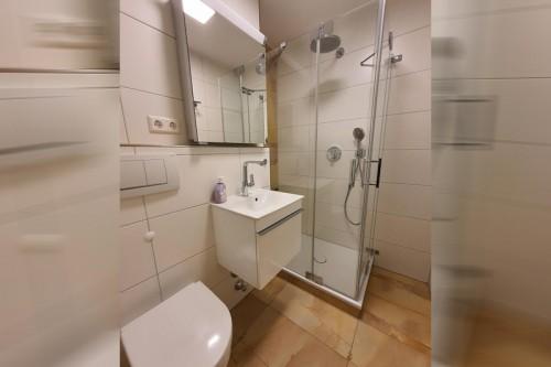 Wir sanieren Ihr Badezimmer auch auf engem Raum