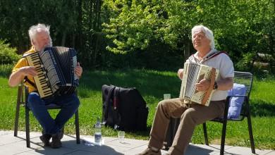 Senionen unterhalten Senioren